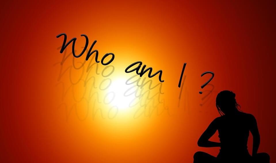 Bạn là ai? Bạn đang đi đâu?